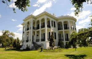 Nottaway's 53,000 square fee included 63 rooms, indoor plumbing and an all-white ballroom.